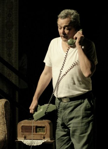 "Robbie O'Neill in ""Nights Below Station Street"" 2006 Mainstage by Caleb Marshall (photo: Stephen Moss)"